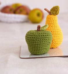 Äpfel und Birnen häkeln - free pattern ༺✿ƬⱤღ http://www.pinterest.com/teretegui/✿༻