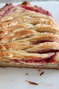 gotta try with frozen puff pastry!.....Raspberry Cream Cheese Danish
