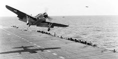 Helldiver takes a waveoff, USS Bunker Hill