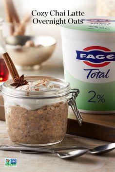Overnight Oats Recipe With Greek Yogurt, Chai Overnight Oats, Greek Yogurt Recipes, Ww Recipes, Brunch Recipes, Recipies, Cooking Recipes, Make Ahead Breakfast, Breakfast Dishes
