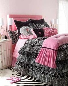 Black and pink delight/alayna
