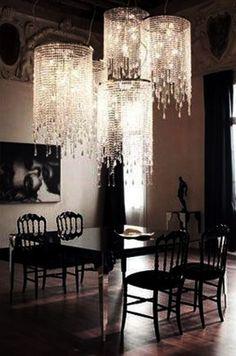 Lovvve those chandeliers