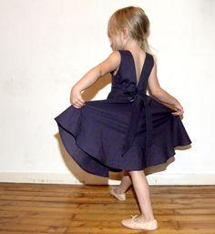 THE tobe en cosmic blue // Donna dress de Petite kids / Cosmic d'Atelier Brunette // Jolies bobines