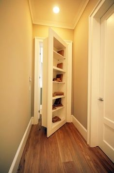 10 Secret Rooms And Hidden Passageways To Store Your Treasures Or Get Away From It All (PHOTOS) - Awesome closet door idea