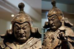 Détails du Roi-gardien du Nord Bishamon-ten Début du 13ème siècle époque de Kamakura (1192-1333) Cristal de roche, cyprès , dorures, laque, polychromie Section Japon du musée Guimet