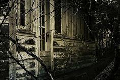 Mysterious old Salem house