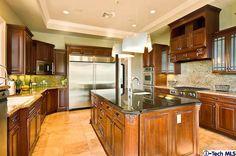 870 Saint Katherine Drive, Kitchen