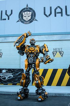 #Bumblebee at the #Transformers: The Ride 3D store opening at  #UniversalOrlando