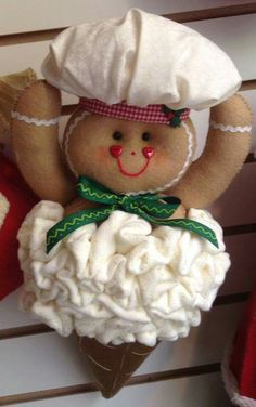 Gingerbread Christmas Tree, Mary Christmas, Felt Christmas Ornaments, Christmas Snowman, Christmas Themes, Christmas Wreaths, Christmas Crafts, Christmas Decorations, Snowman Crafts