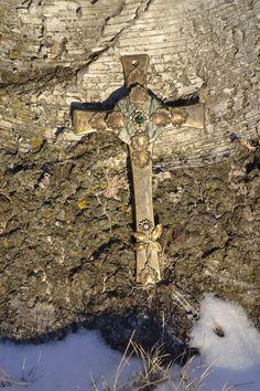 Blooming with Faith Wall Cross – Celebrate Faith