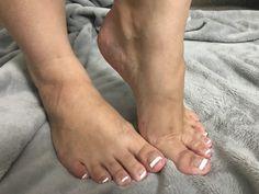 • • • • • #toes #feet #prettyfeet #soles #footfetishnation #footmodel #pedicure #sexyfeet #foot #perfectfeet #cutefeet #instafeet #beautifulfeet #barefeet #prettytoes #footfetishcommunity #pedi #footporn #pies #footfetishgroup #barefoot #footgoddess #teamprettyfeet #footjob #manicure #podolatria #pezinhos #wrinkledsoles #softsoles #arches