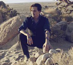 Johnny Depp - No comercial da Dior - Sauvage; lindo!