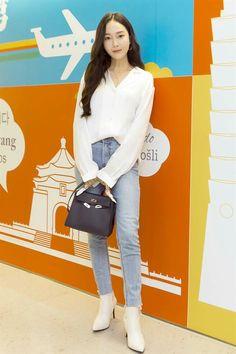 Kpop Fashion, Korean Fashion, Airport Fashion, Chinese Fashion, Airport Style, Jessica Jung Fashion, Jessica Jung Style, Girls Generation Jessica, Korean Outfit Street Styles