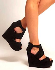 Yaz kombinlerinizde hem kurtarıcınız olacak, hem de sizi şık gösterecek bir ayakkabı...