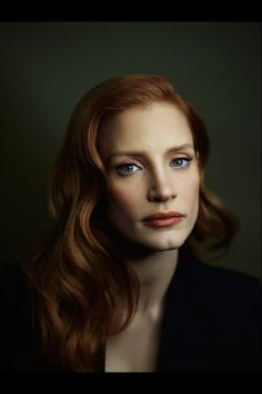 beautiful Jessica Chastain portrait by Joey L. - Learn Joey's techniques for creating stunning photographs & cinematic lighting Dark Portrait, Portrait Lighting, Female Portrait, Jessica Chastain, Joey Lawrence, Annie Leibovitz, Studio Posen, Model Tips, Cinematic Lighting