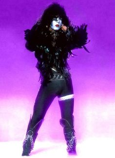 Space Ace has ruined my life but in a good way — A collection of Paul Stanley looking fabulous. Kiss Rock Bands, Kiss Band, Kiss Images, Kiss Pictures, Paul Stanley, Detroit Rock City, Vinnie Vincent, Eric Carr, Vintage Kiss
