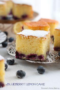 Receita de bolo de limão Blueberry de Roxanashomebaking.com deliciosa, doce e light, bolo de blueberry embebido em calda de limão durante a noite para infundir os sabores cítricos, tornando-se o bolo perfeito de verão.