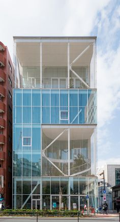 SHIBAURA HOUSE (芝浦のオフィス). / Architect : Kazuyo Sejima (設計:妹島和世).
