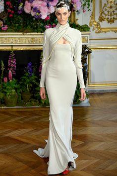 Yo quiero comer perdices contigo..  Tendencias de Alta Costura vestidos de novia otono invierno 2013 - Alexis Mabille