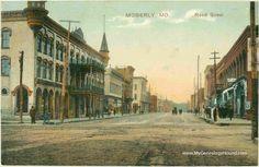 Moberly, Missouri, Reed Street, vintage postcard, historic photo