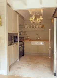 Beautiful kitchen by Mi Casa. Realisations | Mi Casa - Mansardées | Verkempinck | Mi Casa
