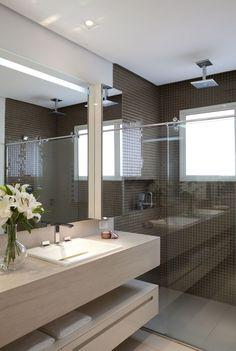 20 Shower Room Lighting Suggestions for every single Design Design Bathroom Spa, Bathroom Toilets, Bathroom Interior, Small Bathroom, Modern Bathrooms, Bad Inspiration, Bathroom Inspiration, Home Interior Design, Interior Decorating