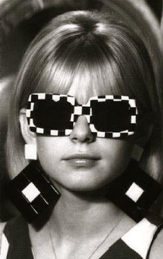 1960's fashion - op-art sunglasses & earrings - futuristic - prints - geometric - monochrome