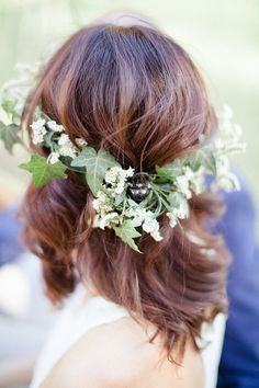 Delicate Floral Crown | Sandra Aberg Photography | Destination Engagement on a Midsummer Lake