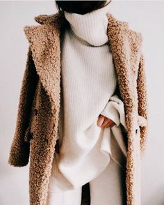 loving the combination of textures with these winter layers and the teddy coat // chic winter outfit for women in their 20s looking for fashion ideas