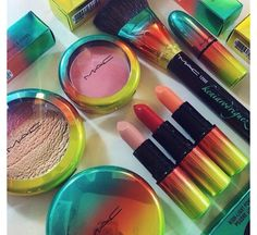 #makeup - http://amzn.to/2fDgJKk