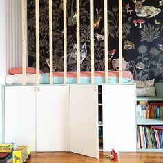 Loft bed - looks like a prison will vertical bars though Ideas Habitaciones, Creative Kids Rooms, Deco Kids, Kids Room Design, Kidsroom, Kid Spaces, Kid Beds, Kids Decor, Kids Bedroom