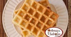 Receita básica e fácil de waffles, para comer simples com mel e manteiga ou mais incrementado.