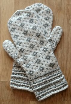 This was an exceptionally peaceful stranded colourwork pattern to knit. Knit Mittens, Cowls, Knit Crochet, Gloves, Patterns, Knitting, Inspiration, Knits, Block Prints