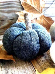 DIY+Sock+Pumpkins