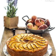 Un dolce veloce e semplice, che si prepara usando solo una ciotola e una frusta manuale. Una #torta soffice per la presenza dello #yogurt e delle #mandorle ridotte in polvere, senza burro e #glutenfree  pronta una nuova #ricetta ora nel mio piccolo blog  #secucinatevoi #unamore_dicucina #dolce_salato_italiano #le_buone_ricette #mapisweetb #ifood_it #ifood #cakecorriere #cookmagazine #foodporn #cucinaamoreefantasia #italianrecipe #senzaglutine #ricettesemplici #nikon #blogger #bloggerstyle
