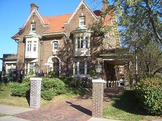 Located in Omaha, Nebraska.  In 1910, this house was a wedding present for the daughter of the owner of the Storr's Beer Company, no longer in existence.  Mr. Storr's lived in another house a coule of blocks away, and that house is now a part of Creighton University.