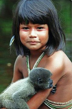 Native People from Brazil Beautiful Children, Beautiful Babies, Beautiful People, Kids Around The World, People Around The World, Indian Girls, Animals For Kids, World Cultures, Belle Photo