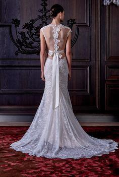 Monique Lhuillier Spring 2016 Bridal Collection. www.theweddingnotebook.com