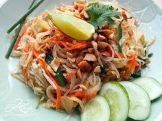 Pad thai - la version de Kris du blog Au pays des piments... Si comme moi vous avez deux mains gauches et que la cuisson au wok ne veut pas de vous...