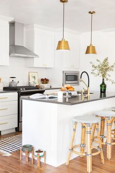 Discover Kitchen design ideas & inspiration, expertly curated for you. Explore Kitchen decor and design ideas, save them to inspire your next project, and shop your favorite products. Kitchen Interior, Kitchen Decor, Kitchen Design, Latte, Instagram Posts, Instagram Dog, Make It Yourself, Dining, Interior Design
