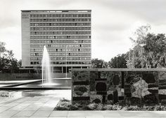 Buidling for Norsk Hydro in Oslo (1960-1962) Photograph copyright of the…