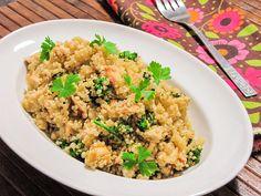 Quinoa com frango desfiado e brócolis