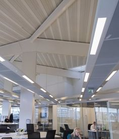 The Crystal, which hosts lectures, conferences and an interactive exhibition showcasing the latest cutting edge technologies, uses innovative and energy efficient lighting throughout the complex, with luminaires provided by Luxonic.