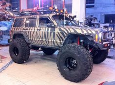 Jeep Cherokee zebra striped