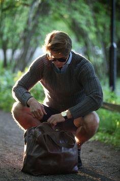 Glenn Sportsbag från P.A.P är en trendig rymlig väska i 100% äkta läder. Handgjord i Göteborg, Sverige.