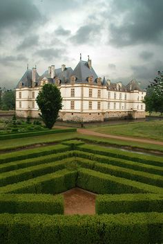 Chateau de Cormatin on a rainy day, Burgundy / France (by joris de corte).