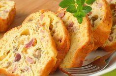 Sophie-cake met ham en olijven Cake au jambon et aux olives - Testé - Mike aime Baking Recipes, Snack Recipes, Snacks, Cookie Bowls, Flan Cake, Catering, Pizza Cake, Food Porn, Brunch