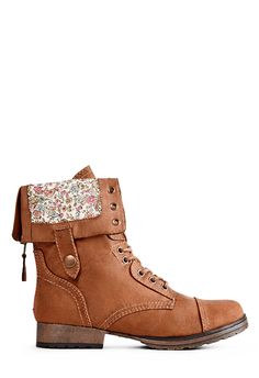 A little rough-and-tumble bootie for all your adventures, Aquarius by JustFab has a fun fold-over design with a pretty floral inset and side snaps.
