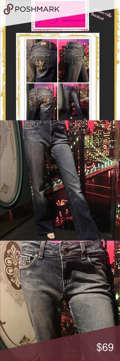 """NWOT Paige, Hidden Hills, high rise denim jeans NWOT Paige premium denim jeans. Size 29. Bootcut. High rise. Double button. Embroidered patch detail on pockets. Style is """" hidden hills"""" Paige Jeans Jeans Boot Cut"""