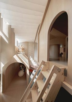 乐贝亲子民宿,四川眉山 / 丰屋·URO设计 - 谷德设计网 Stairs, Loft, Bed, Island, Adventure, Playground, Furniture, Arch, Indoor